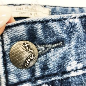 Free People Jeans - Free People Ditsy Floral Ankle Crop Denim Jeans 27